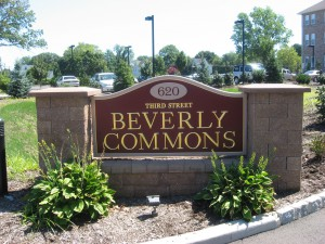 Beverly Commons Sign